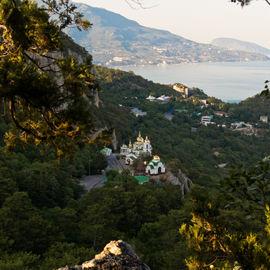Треккинг по загадочным местам Крыма