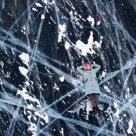 Экспедиция по льду Байкала на Ольхон