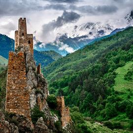 Средь гор высоких и могучих. Экскурсионный тур