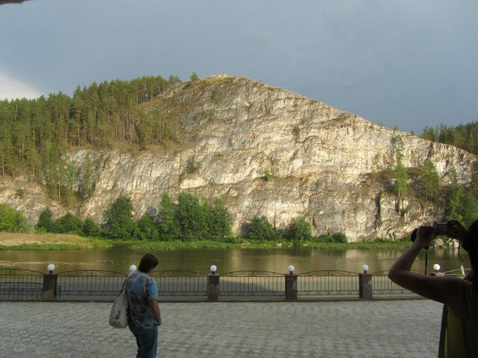 Скала Мануров камень