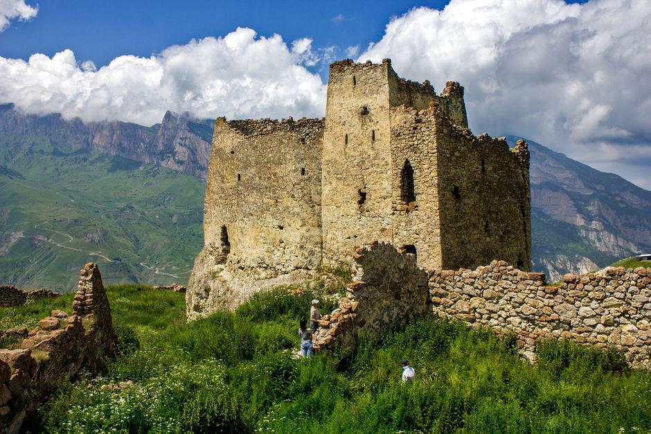 Дигорское ущелье, замок Фрегат