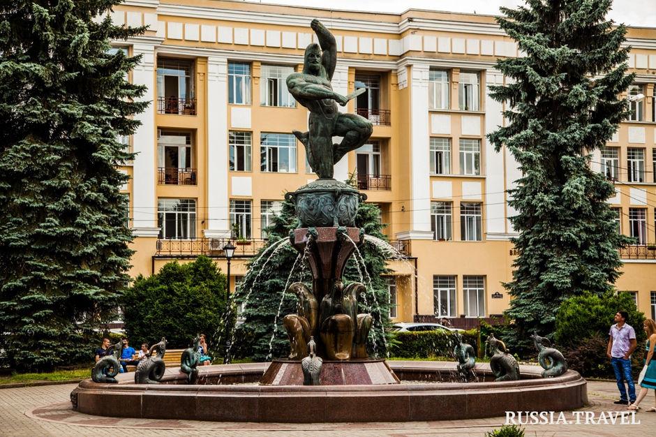 Памятник «Нарт Сослан»